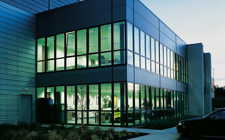 Eine ideale verbindung holz aluminium fenster rupp gmbh - Fenster putzen bei auszug ...